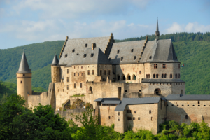 iStock_000003424351_castle